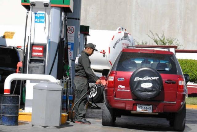 Por qué la gasolina siempre encarece